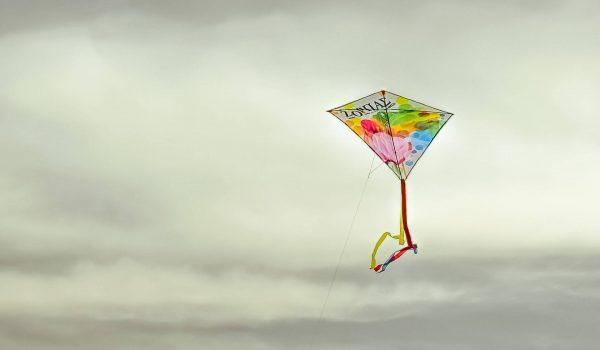 kinderworkshop-vliegers-maken-kinderfeestje-vlieger-maken-creatief-kinderfeestje-leidsche-rijn